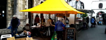 Atelier couture au marché d'Hendaye